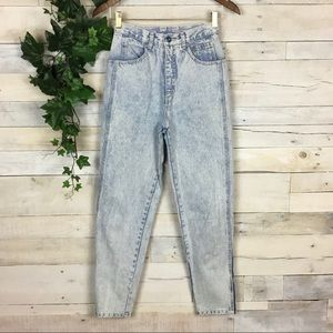 Used, Vintage LA GEAR Light Wash High Mom Jeans 7/26 for sale
